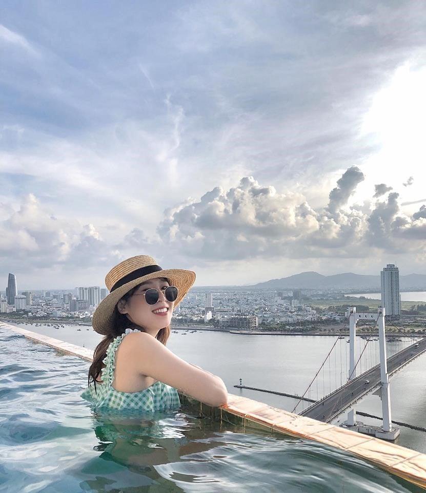 Bể bơi dát vàng Golden bay Đà Nẵng