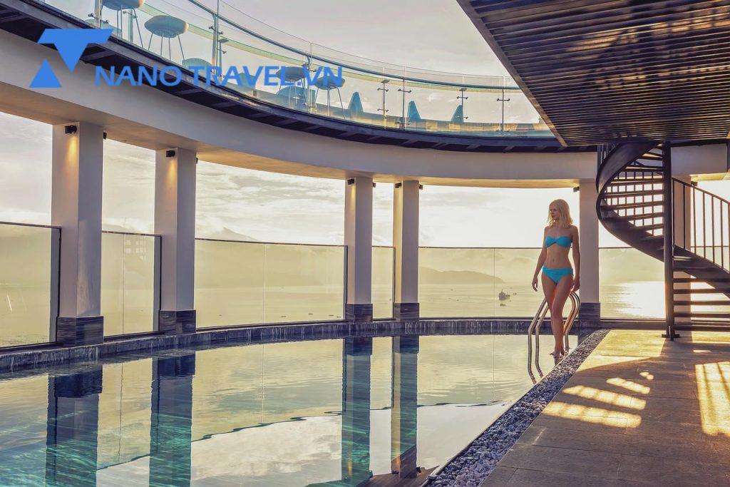 Bể bơi vô cực Stella Maris Beach